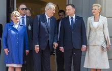 Zeman se zastal Poláků: Kácet mohou, kde chtějí