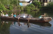 Archeologové se vydají na výpravu v pravěké lodi z kmene stromu: Přes moře ve vydlabaném dubu