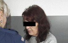 Lokla si borovičky a probodla manžela nožem kvůli půjčce!