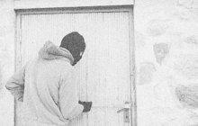 Do téměr dvě stě kilometrů vzdáleného Púchova na severozápadě Slovenska se vydal krást ničema (30) až z Bruntálska. Vloupačka do rodinného domku počátkem června 1987 mu vynesla kořist v hodnotě 16 800 tehdejších korun.