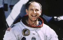 Apollo 12 kosí smrt: Jako čtvrtý dobyl Měsíc!