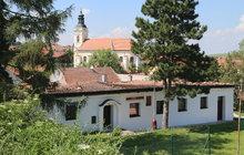 Masarykův dům je bez střechy
