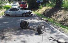 Nabourané auto nechal na silnici...a šel na pivo!