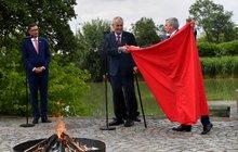 Hradní pálení trenýrek prezidentem Milošem Zemanem (73) zpoloviny letošního června má dohru. Hoření červeného kusu textilu se totiž nelíbí České inspekci životního prostředí (ČIŽP) a zahájila přestupkové řízení.