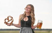 Chmelové šílenství v nedalekém Mnichově je tady. Miliony Bavorů a turistů z celé planety oslavují mamutí svátek piva. Toho je dost, jenže místa je tradičně málo, zejména o víkendech a večer.