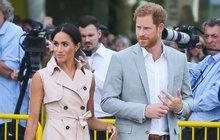 Meghan a princ Harry vzdali hold Mandelovi: Vévodkyně v baloňáku za 18 tisíc