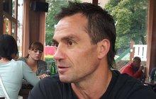 Bývalý hokejový reprezentant Václav Burda (†45) nepřežil srážku s kamionem. K tragickému střetu došlo v pondělí těsně po půlnoci na silnici mezi Hodonínem a Moravskou Novou Vsí.