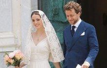 Své »ano« si sice řekli už v New Yorku, ani to jim ale nezabránilo slíbit si věčnou lásku znovu, tentokrát v romantické Itálii.