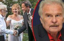 Luděk Munzar (85) vdával dceru: K OLTÁŘI V BOLESTECH