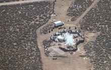 To je školka pro malé teroristy! Americká policie objevila skrýš s podvyživenými dětmi trénovanými k masakrům
