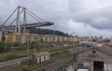 Při pádu janovského mostu zemřelo nejmíň 39 lidí a toto číslo stále není konečné. Jedná se o nejvážnější, ale rozhodně ne ojedinělou tragédii v Itálii. Jen v posledních pěti letech se tu zřítilo dalších pět viaduktů a mnohým pád hrozí. Jak to mohlo zajít tak daleko?