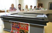 V říjnu nás čekají senátní a komunální volby. Jenže nejméně v 17 obcích v Česku se neuskuteční. A důvod? Místním se jednoduše nepodařilo sestavit ani jednu kompletní kandidátku.