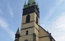 Jde o jednu z největších ústeckých rarit. 60 metrů vysokou šikmou věž gotického kostela Nanebevzetí Panny Marie chtějí nyní nadšenci otevřít veřejnosti.
