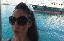 Britská studentka Laura Denmar má zdovolené vChorvatsku velmi nepříjemný zážitek. Ve splitském hostelu odmítla zaplatit peníze navíc, na které neměl pronajímatel podle smlouvy nárok. Co se stane potom, nečekala ani vnejhorším snu.