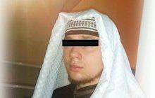 Čeští muslimové údajně věděli, že se zradikalizoval! Dominika K. loni kvůli jeho názorům, prezentovaných na Facebooku, údajně škrtli ze seznamu účastníků konference zaměřené proti terorismu.