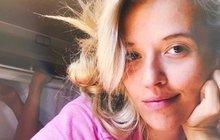 Tamara Klusová (31) patří mezi matky, které na sociální síti sdílí pomalu vše a nebojí se sdělit vlastní názor. Naposledy se vyjádřila kincidentu zminulého týdne, kdy kojící matku vyprovodila zbanky ochranka.