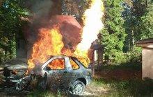 Vybuchlo auto na plyn