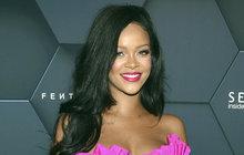 Pochází z teplých krajů, z karibského ostrova Barbados, čekalo by se tedy, že bude patřit spíš k zimomřivějším. Zpěvačka Rihanna (30) je přitom pravý opak!