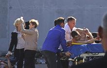 V jídelně střední průmyslové školy v Kerči na Krymu vybuchla podomácku zhotovená bomba. Explozi způsobil student čtvrtého ročníku Vladislav Rosljakov (†18), který rovněž do lidí střílel. Nakonec spáchal sebevraždu. Motivem měla být msta za neopětovanou lásku.