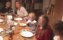 Menzel povečeřel s rodinou: S manželkou si připil na zdraví