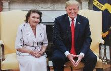 Ač její dcera Ivana se sDonaldem Trumpem rozvedla, Marie Zelníčková (92) sbývalým zetěm dodnes udržuje dobré vztahy. Nedávno ji dokonce pozval do Oválné pracovny a nechal ji proletět se ve svém Air Force One. Extchyně amerického prezidenta teď odhalila některá ztajemství jeho života.