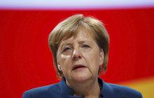 Merkelové třes rozpoutal dohady: Má kancléřka Parkinsona?