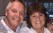 Zlato, jsem doma, hlásil se denně elektrikář John Carey (60) manželce Lydii (†60) a vlepil jí velkou pusu. I když ji miloval nade vše, svými polibky ji zřejmě nevědomky zabíjel.