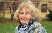 Eva Kaprasová (82) je naší první a nejúspěšnější leteckou akrobatkou!