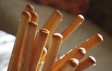 Chuťovky na sváteční stůl: Sýrové tyčky se slaninou