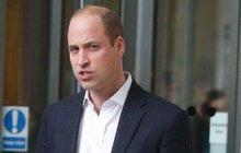 Britové spílají princi Williamovi: Takhle se tváří strýček?!