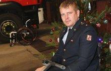 Po 17 letech zachraňování, ochrnul a teď: Má nový vozík a práci