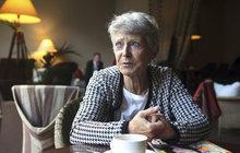 Věděla o tom jen hrstka nejbližších! Manželovi zesnulé herečky Jany Štěpánkové (†84) pobláznila hlavu její kolegyně Eliška Balzerová (69). Stalo se to na startu natáčení Nemocnice na kraji města, kterou právě Jaroslav Dudek (†68) režíroval.