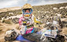 <strong>Před rokem se stala první Češkou, která dokončila slavnou Rallye Dakar. Po zdolání 8276 kilometrů na trase Peru – Bolívie – Argentina vkategorii čtyřkolek dojela Olga Roučková (34) dokonce jako třetí mezi ženami. Vtěchto dnech bojuje vtěžké soutěži opět. Jen vyměnila čtyřkolku za terénní auto s otevřenou karoserií, a to díky podpoře firmy BCE zMníšku pod Brdy.</strong>