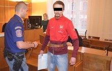 Milena nosí pod srdcem dítě vraha svého manžela: Větička na Facebooku rozpoutala vražedné běsnění