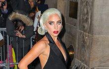 Podrážděná Gaga: Řekni Cooper a...Je oheň na střeše!