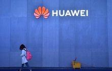 Nařčení, že se čínská společnost Huawei může podílet na špionáži pro Peking, včera před zahraničními novináři vyvracel samotný zakladatel firmy. Miliardář Žen Čeng-fej (74) se jinak médií straní jako čert kříže.