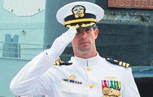 Velitel ponorky: Má padáka za 10 prostitutek