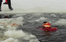 Studenti prošli kurzem přežití na drsné Šumavě: Zachránil svého zachránce!