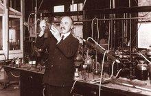 Bakelit máme už 110 let: Materiál, který začal dobu plastovou