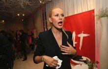 Modelka Simona Krainová a šampaňské na křtu: Postříkaná!