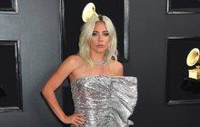 Kreace zpěvaček na Grammy a šok: Lady Gaga končí?!
