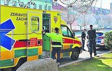 Zbraně nejsou na hraní. O tom se přesvědčil cizinec (43), který se včera v pražském Karlíně postřelil perkusním revolverem.