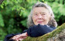 """Rosamunde Pilcherová (+94), """"unášela"""" čtenářky do krajin snů..."""
