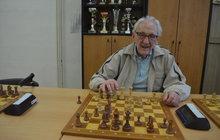 Karel Koval (98): Šachy si bystří mozek 82 roků