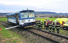 Srazily se dva vlaky: Pět pomlácených cestujících