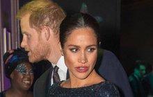 Vévodkyně Meghan podrazila královnu! Přemluví prince, aby ji vykopl?
