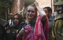 Pašeračka Tereza (22) v Pákistánu vyfasovala 9 let basy: Zhroutila se a plakala!