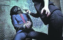 Unesli a mučili šéfa: Nedával jim výplaty…