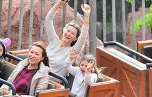 Gisele Bündchenová vzala rodinku do Disneylandu: Kočka na dráze
