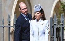 Rodinná idylka Kate a Williama? Jeden velký podvod!